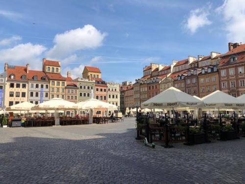 Warsaw 190620 0353