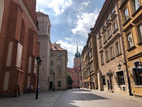 Warsaw 190620 0355