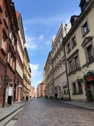 Warsaw 190620 0357